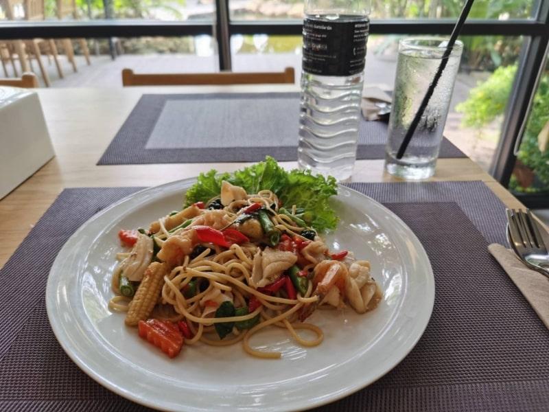 Restaurant12-min